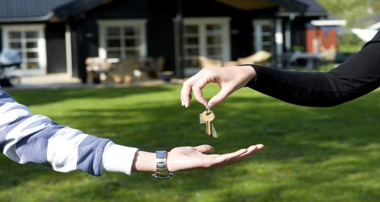 Rivoluzione nelle aste immobiliari: la casa pignorata potrà essere venduta direttamente dal debitore Inquilino-moroso News