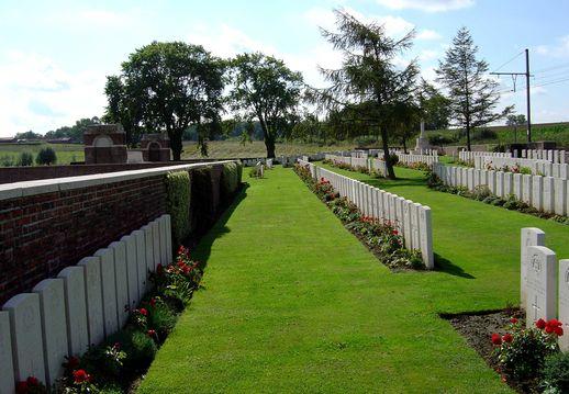 Afbeeldingsresultaat voor Larch Wood (Railway Cutting) Cemetery