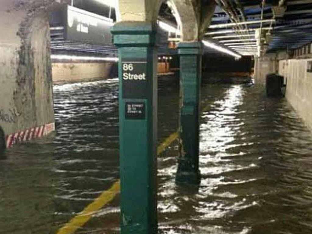Estaciones inundadas en New York