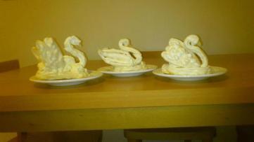 @sarahdearsley's Cream Swans