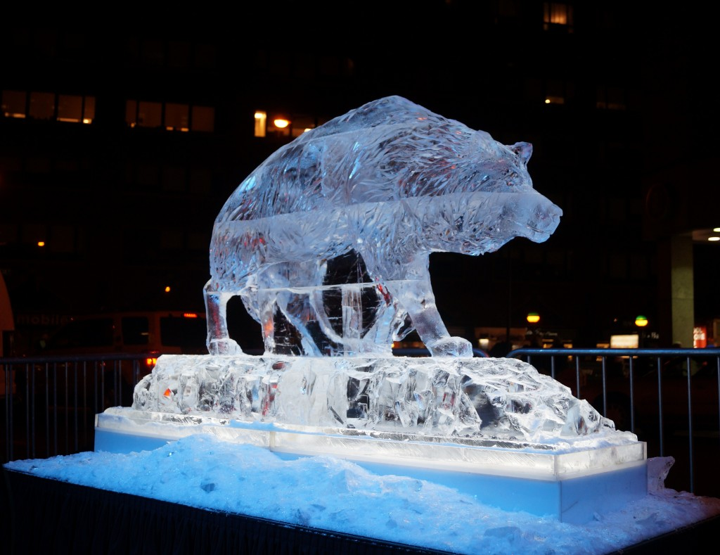 finished direwolf ice sculpture