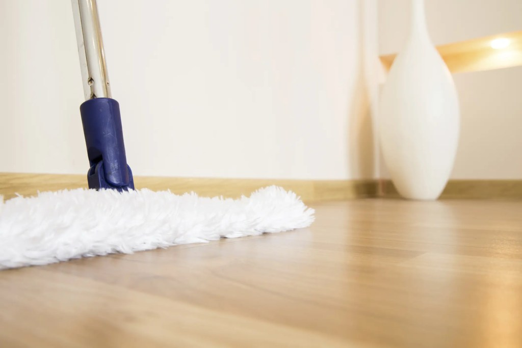 Floor cleaning routine