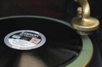 old_record_player