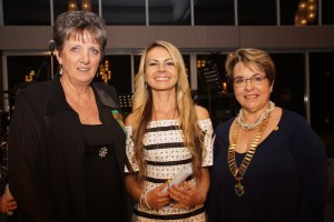 Dr Kathryn Futrega (on behalf of Dr Michael Doran) with PP Kay Morland and President Marilyn Armstrong