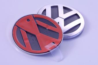 PKW-Emblem mit Heißverprägung