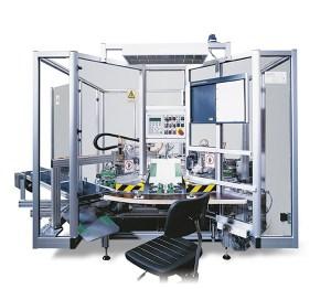 InnoTech Rundtaktautomat zur Montage von Lüftungslamellen