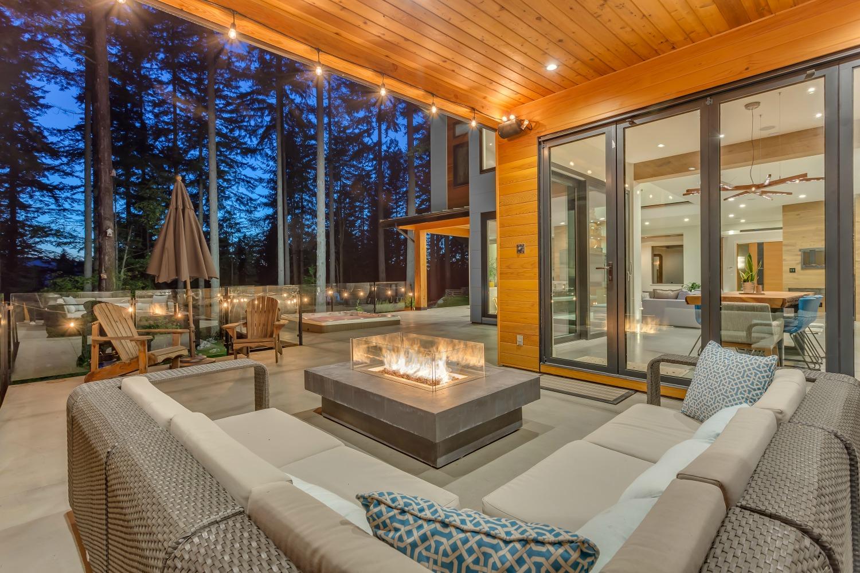 Five Indoor-Outdoor Living Spaces We Love | Innotech ... on Enclosed Outdoor Living Spaces  id=28083