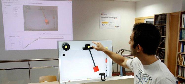 Laboratorio de física con realidad remota.