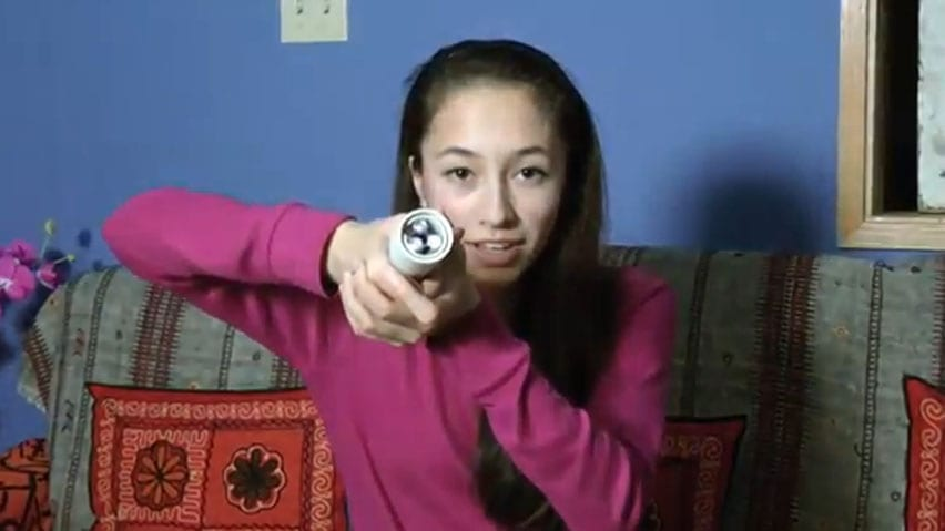 Body-heat powered flashlight takes teen to Google Science Fair