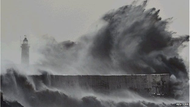 Wavier jet stream'may drive weather shift'