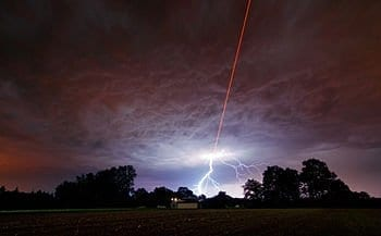 ESO tested the new Wendelstein laser guide star unit by shooting a powerful laser beam into the atmosphere