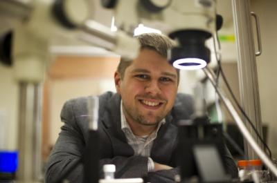 DiPietro Assistant Professor of Chemical Engineering Ed Goluch has developed a device that could allow microbiologists to isolate previously uncultivable bacteria from the wild. Credit: Brooks Canaday/Northeastern University