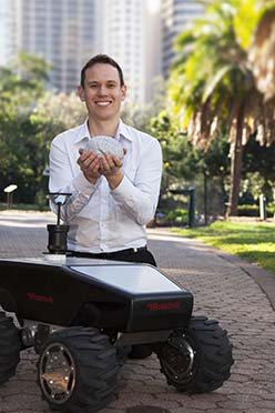 Robot researcher combines nature to nurture 'superhuman' navigation