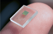 High-performance 3D microbattery suitable for large-scale on-chip integration