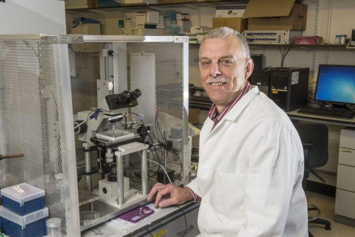 Dr Tony Miller