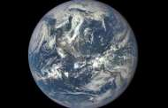 Unprecedented atmospheric behavior disrupts one of Earth's most regular climate cycles