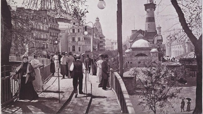 In the Paris world's fair in 1900 the moving sidewalks were a must. via Brown University