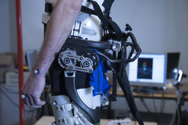 The first smart exoskeleton that recognizes the loss of balance – and prevents falling