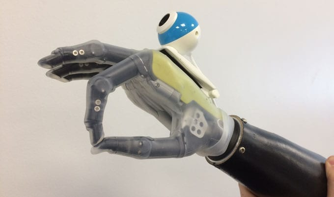 A new prosthetic limb allows the wearer to reach for objects automatically, without thinking – just like a real hand