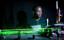 A new device for manipulating and moving tiny objects with light