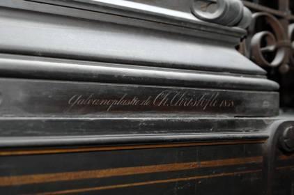 La decorazione esterna è realizzata da Christofle su rivestimento di rame argentato e dorato