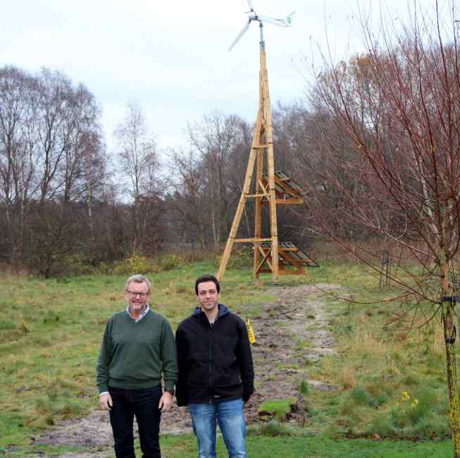 Göran Ilestam (on the left) with his Dali PowerTower in the background