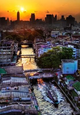Tramonto a Bangkok