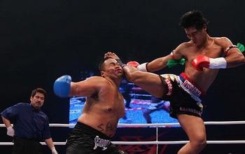match thai boxe - scontro fra lottatori