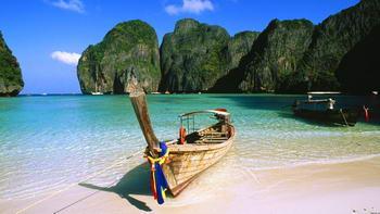 barca a Maya Bay Phi Phi Island