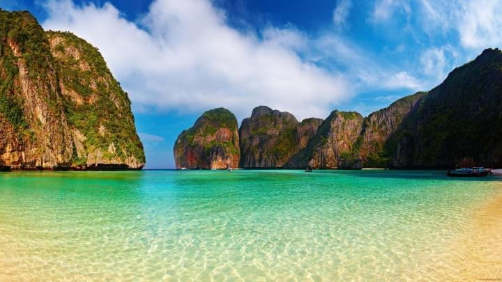 Immergiti nel meraviglioso mare di Phi Phi Island con il Tour Operator InnViaggi