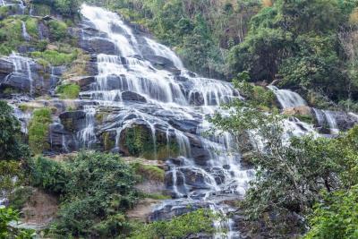 Cascate nel parco nazionale di doi inthanon