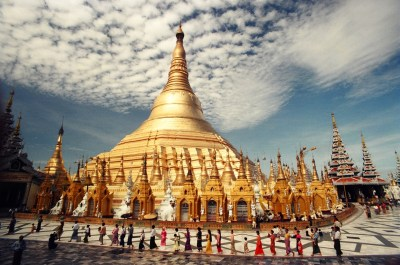 pagoda di yangon in myanmar