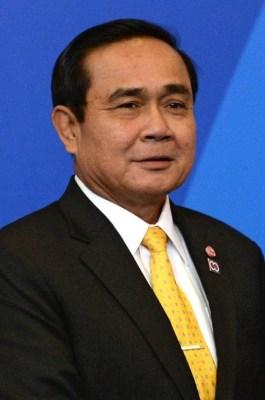 Prayut resta premier thailandese.