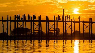 L'incredibile U- bein bridge, il ponte di teak più lungo al mondo, Mandalay, Myanmar
