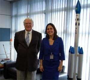 Space X visita Agência Espacial Brasileira