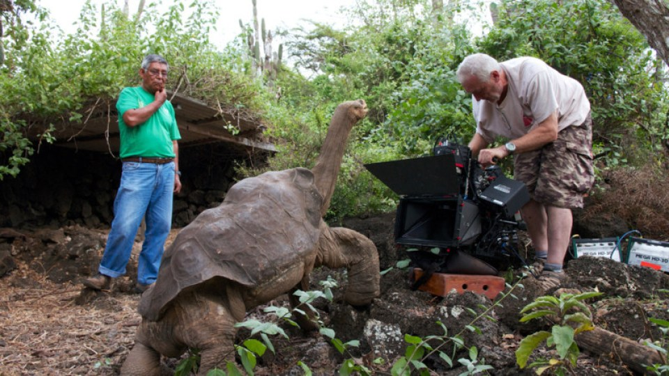 Galapagos-Behind-The-Scenes-18-16x9-1 (1)