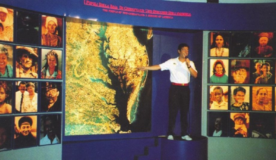 Guide at US Pavilion, Colombo 92 (Genoa) gives presentation. Photo courtesy James Ogul.