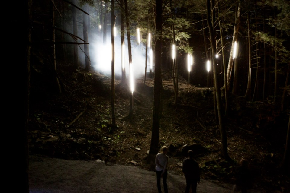 foresta_lumina_light_installation_moment_factory_09
