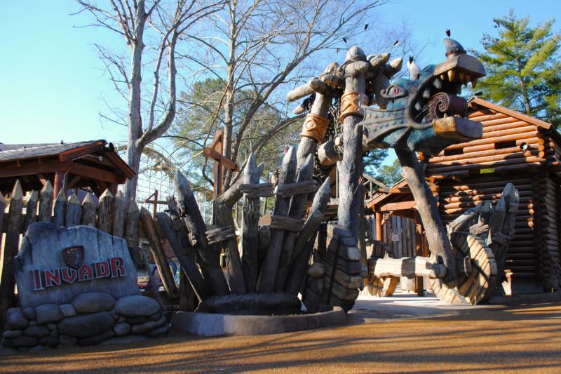 Inpark Magazine Weber Group Builds Viking Battering Ram As Entrance To Busch Gardens Invadr