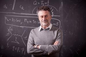 EUGENIO coccia _p.jpg docente di Fisica a Tor Vergata a Roma