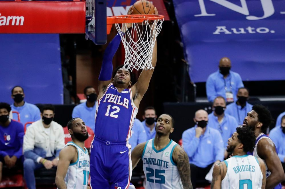 Tobias Harris spearheads Sixers to 118-101 victory to complete sweep of  Charlotte