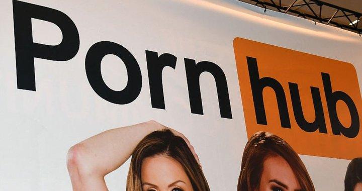 Mastercard e Visa tagliano i rapporti con Pornhub dopo accuse per contenuti illegali