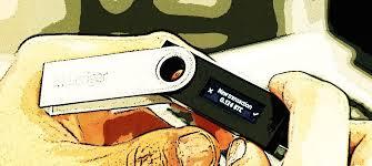 Hacker colleziona i dati dei clienti di Crypto Wallet; Seguono gli attacchi attivi