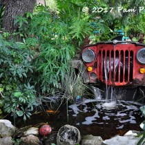 Shari Bauer Garden - pic by Pam Penick