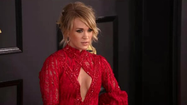 Carrie Underwood Pulled Over for Speeding, Let Off With a ...