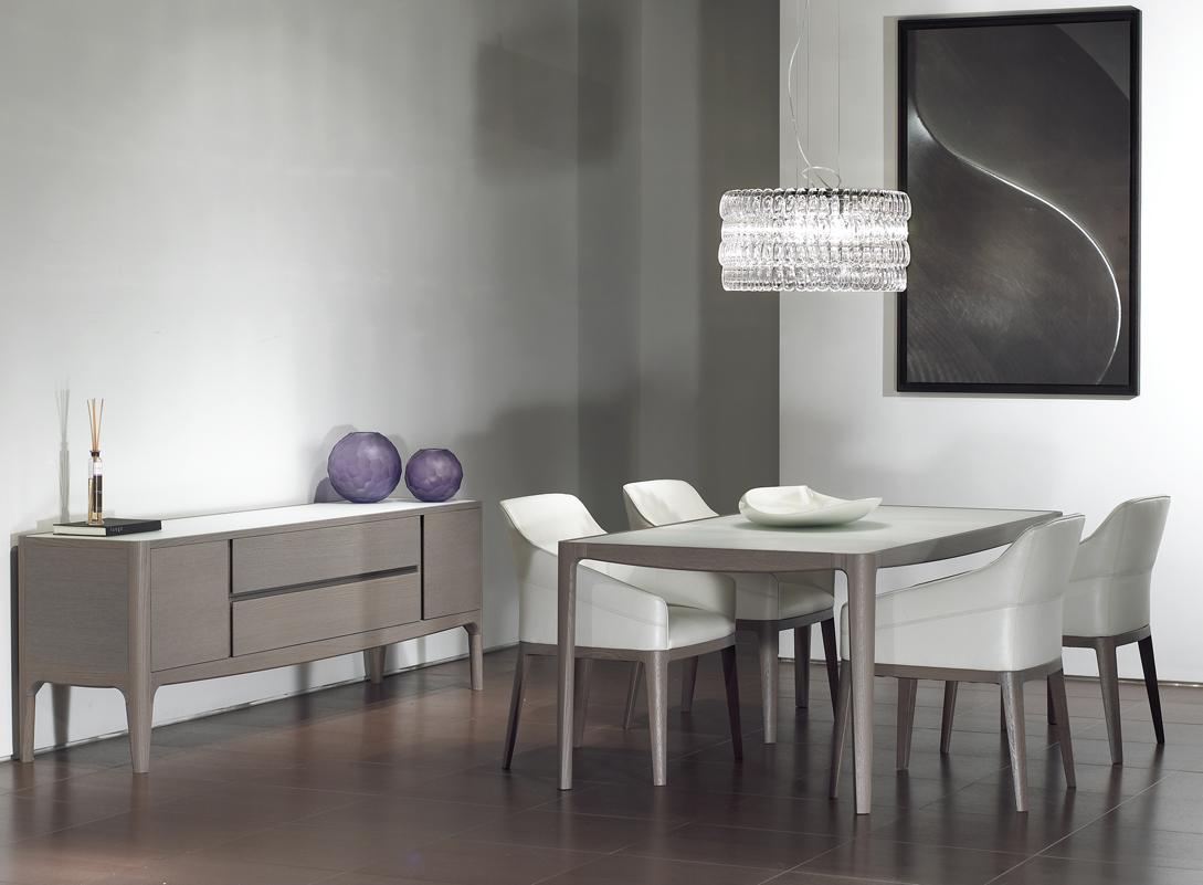 Natuzzi Italia Stuns With Stylish Sofas Dining Options