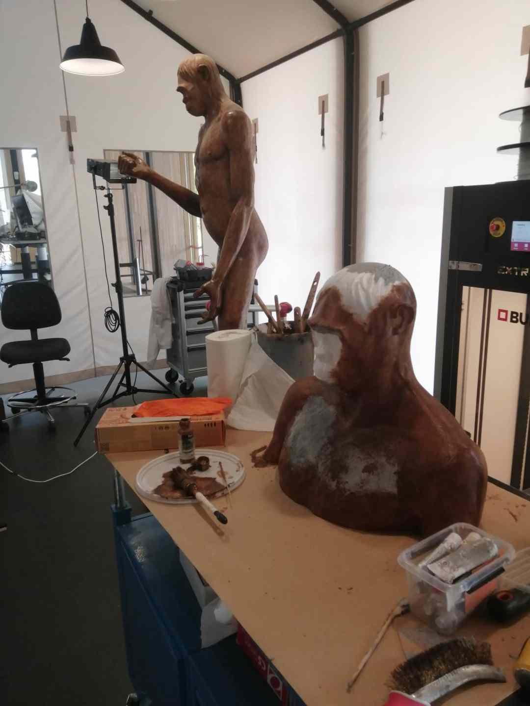Fossielen & Dinosauriërs | schilderwerk aan 3D-print buste pithecanthropus van Dubois | Naturalis Biodiversity Center