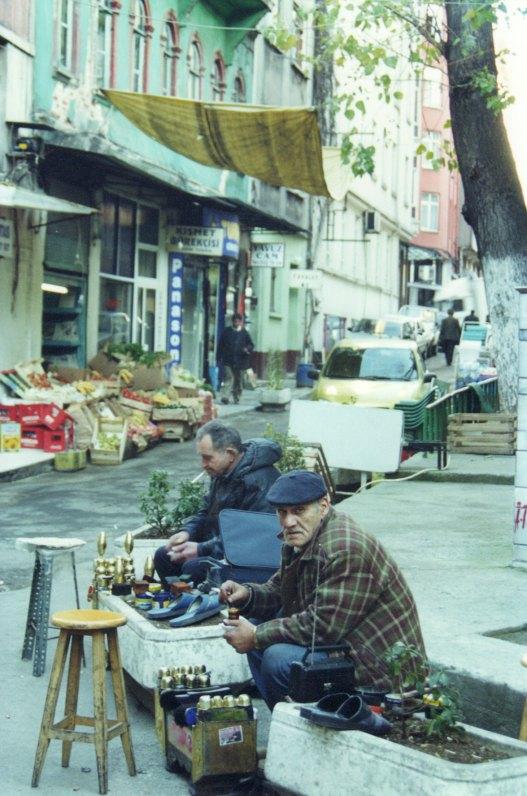 Ist 01 Jan Eminonu shoeshiners