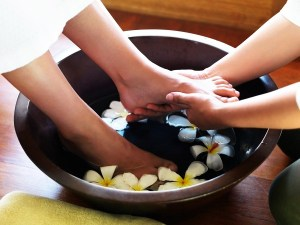 bigstock-Pedicure-treatment-Female-ge-24798872-e1364912177763[1]