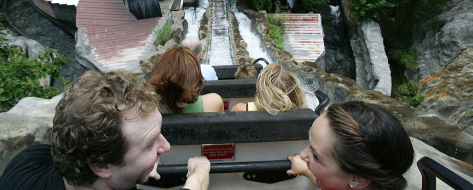 Dollywood's Daredevil Falls